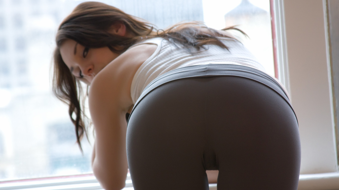Check out these gorgeous and fit women as they stretch and find their center in their YOGA PANTS! That's right - hot pics of GIRLS IN YOGA PANTS! Probably the Best Site in the World.