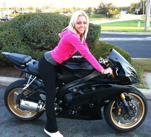 sexy-girls-bikes-2