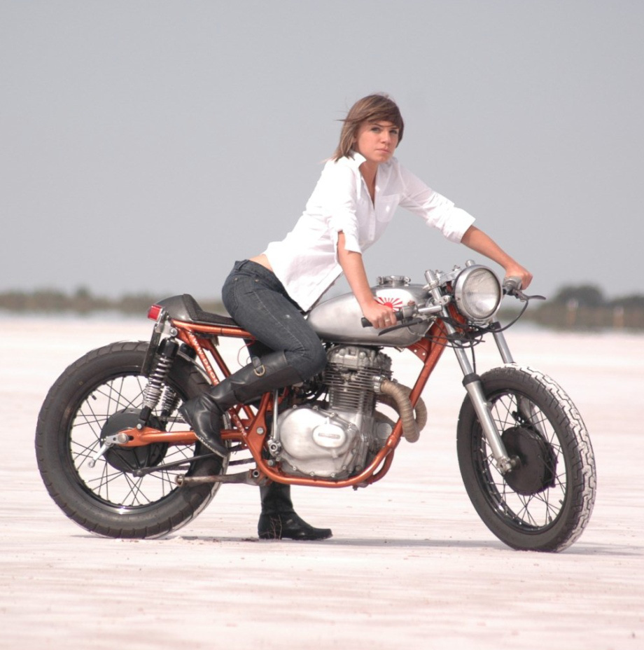 hot babe sex bike