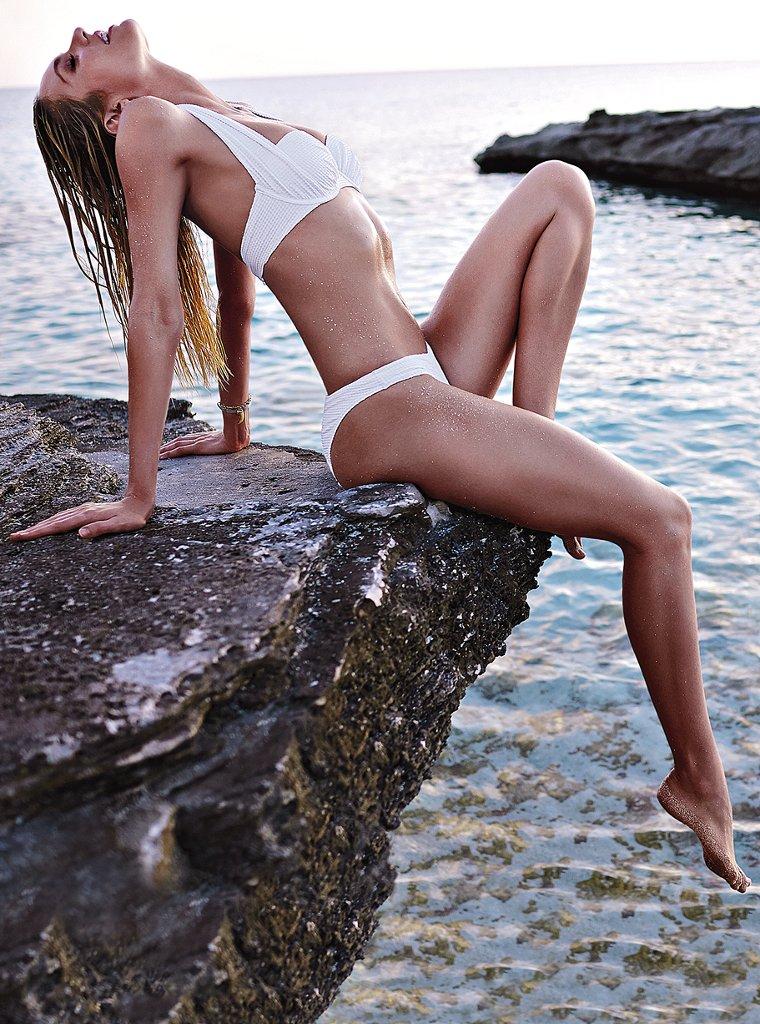 Candice-Swanepoel-VS-swimwear-7