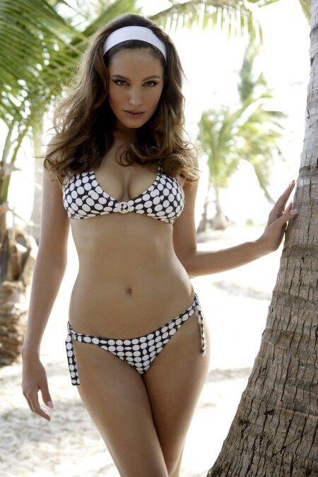 models-summer-bikini-19