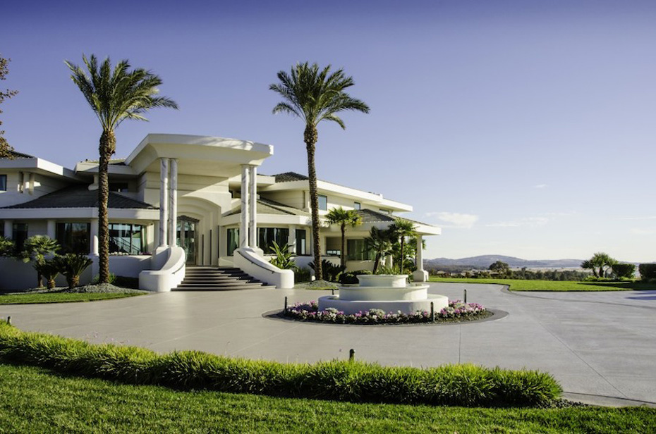 Eddie-Murphys-Granite-Bay-Mountaintop-Estate-13