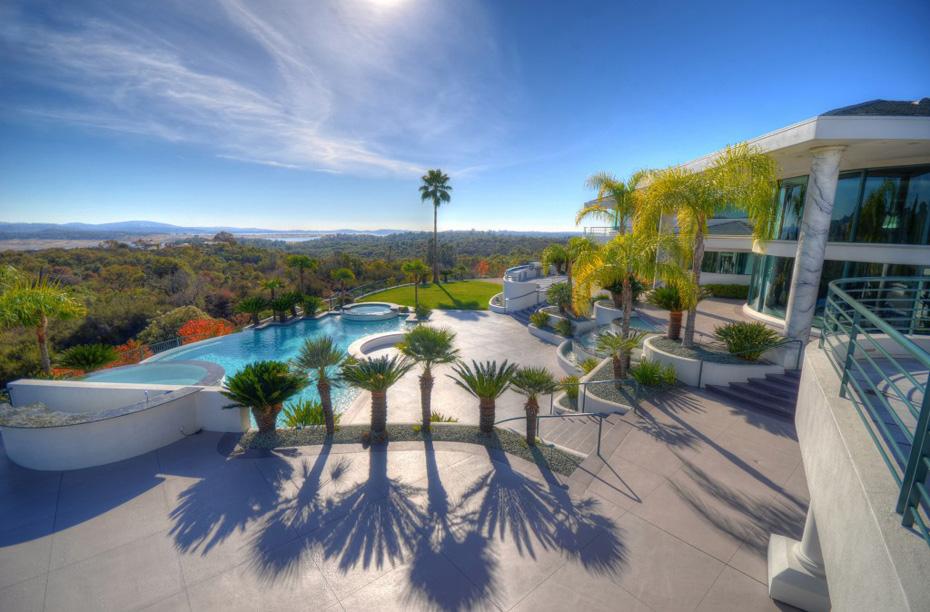 Eddie-Murphys-Granite-Bay-Mountaintop-Estate-6