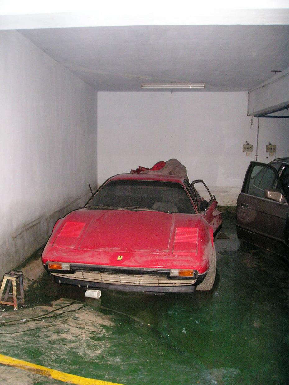 abandoned-supercars-Ferrari-308-23