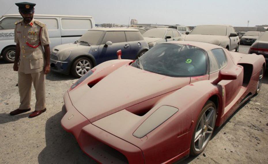 abandoned-supercars-Ferrari-Enzo-26