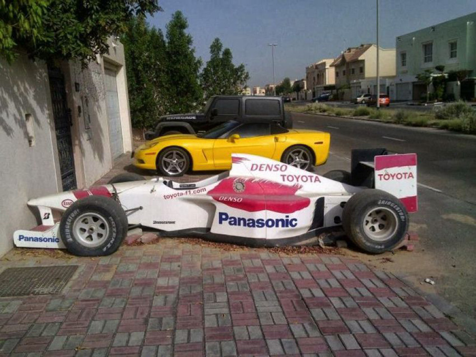 abandoned-supercars-Indy-Car-14