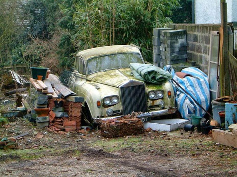 abandoned-supercars-Rolls-Royce-08