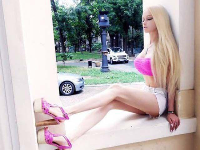 no-makeup-human-barbie-doll-02
