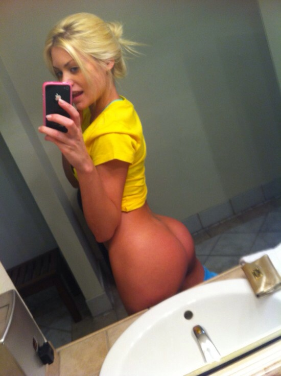 sexy-college-selfies-1