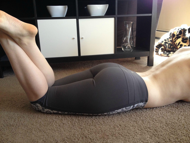sexy-girls-yoga-pants-8