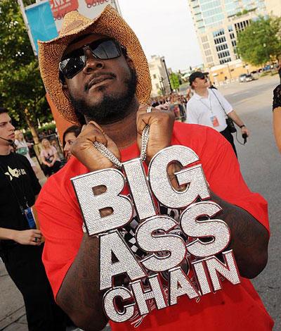 hilarious-rapper-chains-1