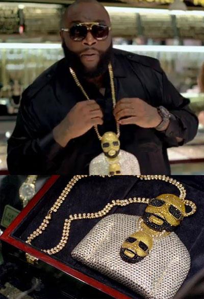 hilarious-rapper-chains-12