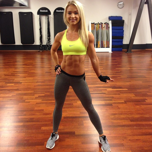 hottest-girls-yoga-pants-21
