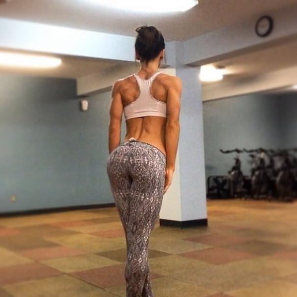 hottest-girls-yoga-pants-5