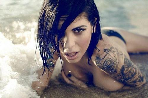 sexy-tattooed-girls-10