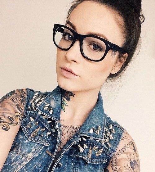 sexy-tattooed-girls-19