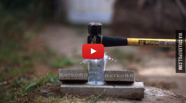 Apple iPhone 6 Plus Vs. Liquid Nitrogen Test [VIDEO]