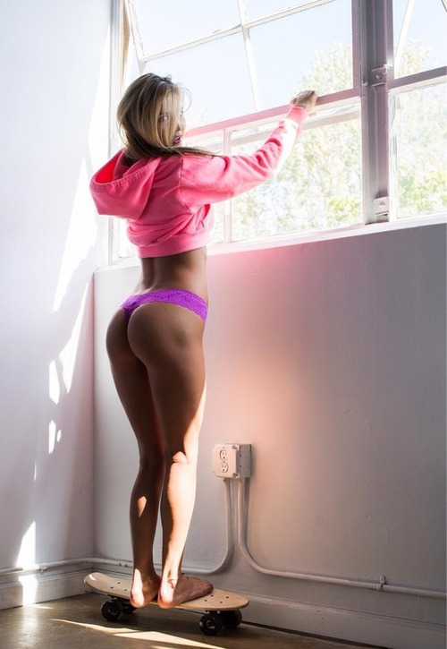 hump-day-sexy-girls-1