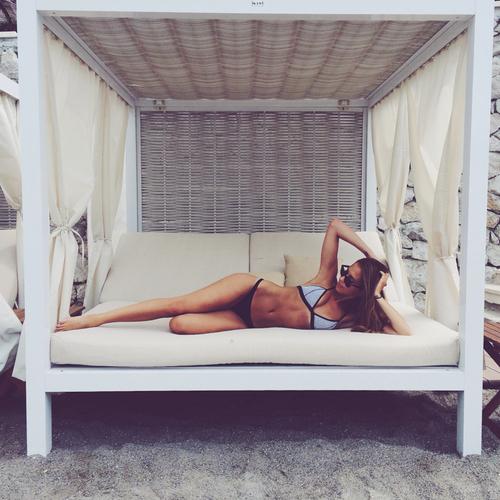 sexy-bikini-girls-15