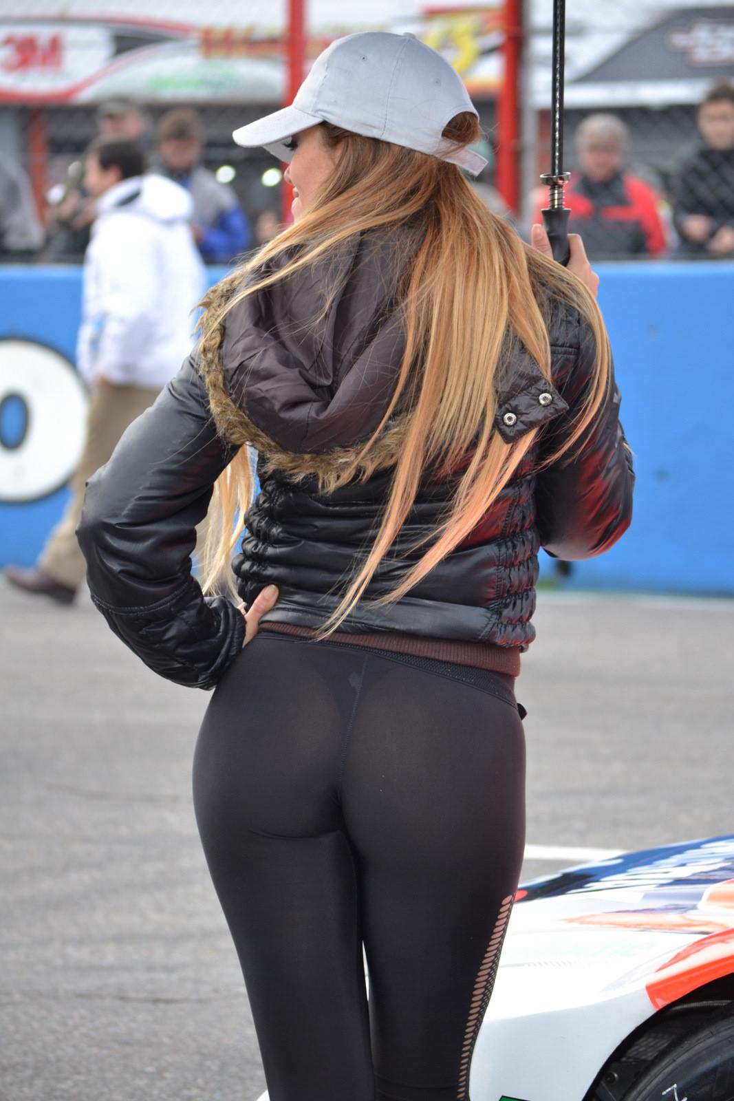 Hot Pants Babes