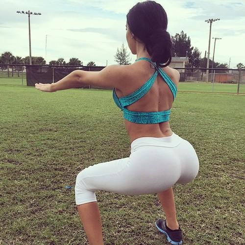 sexy-girls-yoga-pants-6