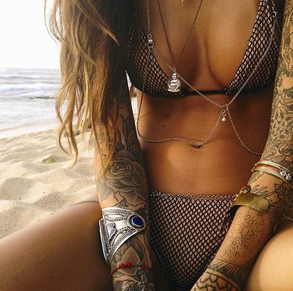hot-girls-tattoos-14