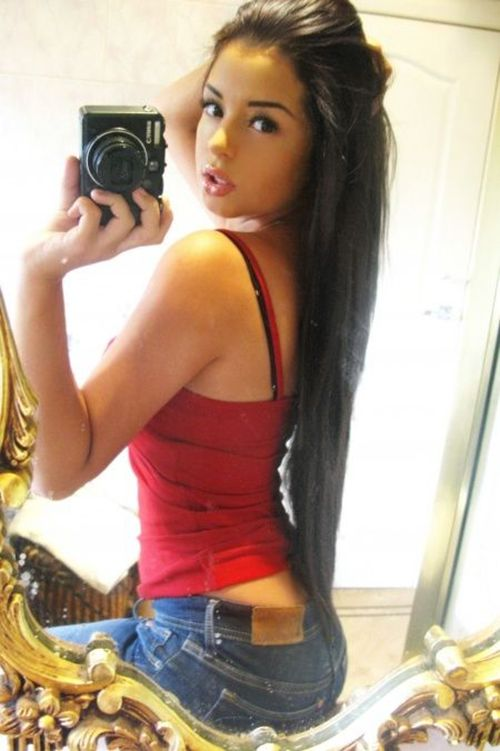 See The 25 Hottest Selfies Of 2014 Collegepill