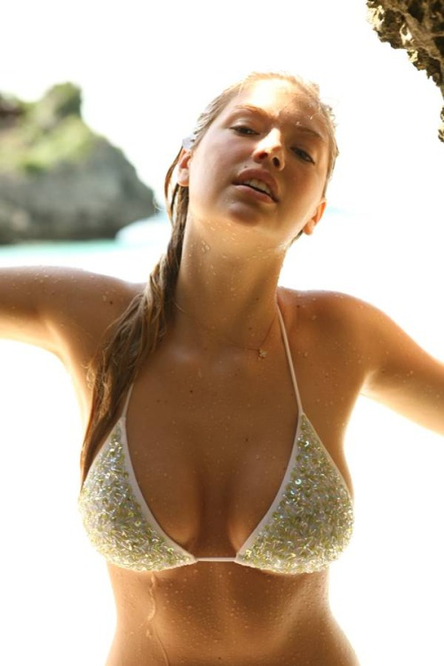 kate-upton-sexiest-woman-alive-13