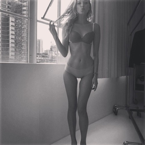 sexy-thigh-gap-11