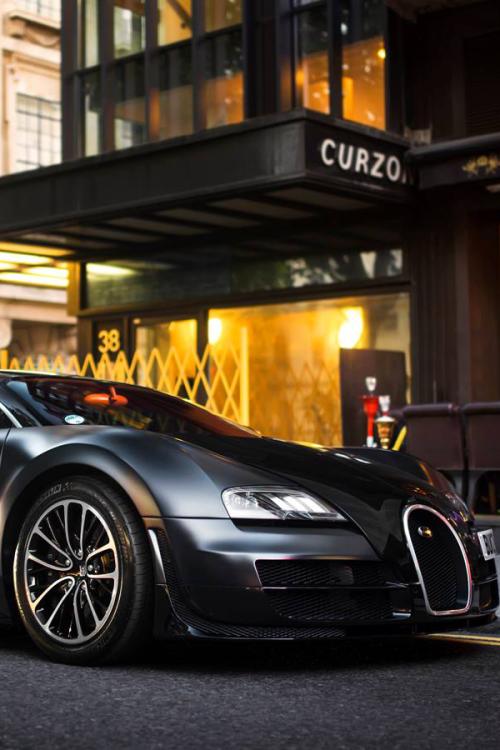 car-porn-bugatti-veyron-2