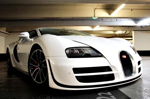 car-porn-bugatti-veyron-28