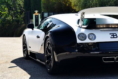 car-porn-bugatti-veyron-3