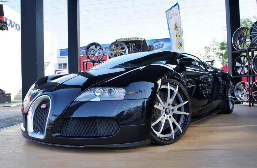 car-porn-bugatti-veyron-35
